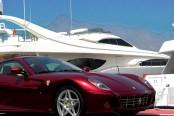 Ferrari geparkeerd in Marbella